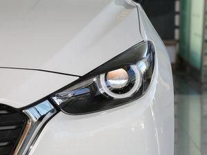 2017款三厢 1.5L 自动豪华型 头灯
