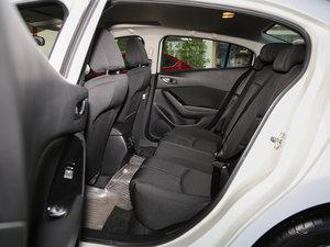 2017款三厢 1.5L 自动豪华型 后排空间