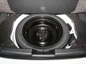 2017款三厢 1.5L 自动豪华型 备胎