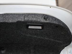 2017款三厢 1.5L 自动尊贵型 其它