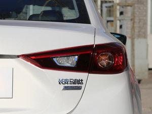 2017款三厢 1.5L 自动尊贵型 尾灯