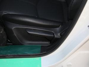 2017款三厢 1.5L 自动尊贵型 座椅调节