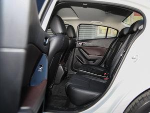 2017款三厢 1.5L 自动尊贵型 后排空间