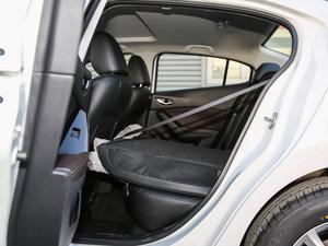 2017款三厢 1.5L 自动尊贵型 后排座椅放倒