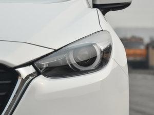 2017款两厢 1.5L 自动豪华型 头灯