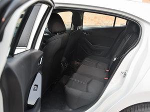 2017款两厢 1.5L 自动豪华型 后排空间