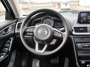 2017款两厢 1.5L 自动豪华型 方向盘