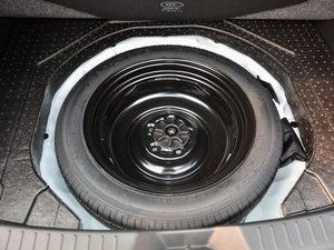 2017款两厢 1.5L 自动豪华型 备胎