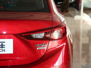 2017款两厢 1.5L 手动舒适型 尾灯