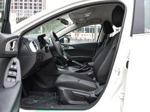 2017款三厢 1.5L 手动舒适型 前排空间