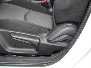 2017款三厢 1.5L 手动舒适型 座椅调节