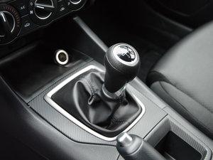 2017款三厢 1.5L 手动舒适型 变速挡杆