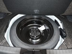 2017款三厢 1.5L 手动舒适型 备胎