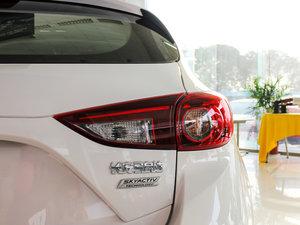 2017款两厢 1.5L 自动舒适型 尾灯