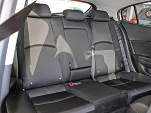 2017款两厢 1.5L 自动舒适型 后排座椅