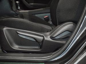 2017款三厢 1.5L 自动豪华型 座椅调节