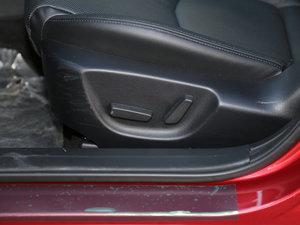 2017款两厢 2.0L 自动运动型 座椅调节