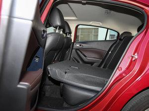 2017款两厢 2.0L 自动运动型 后排座椅放倒