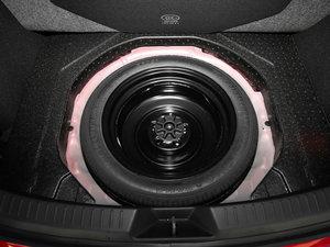2017款两厢 2.0L 自动运动型 备胎