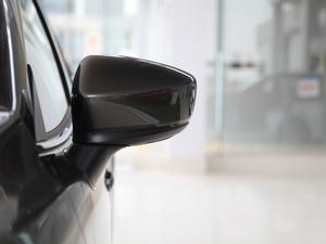2017款三厢 2.0L 自动尊贵型 后视镜