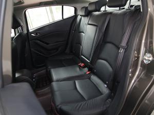 2017款三厢 2.0L 自动尊贵型 后排座椅