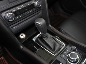 2017款三厢 2.0L 自动尊贵型 变速挡杆
