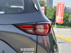 2017款2.5L 自动四驱旗舰型 尾灯