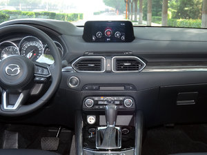 2017款2.5L 自动四驱旗舰型 中控台
