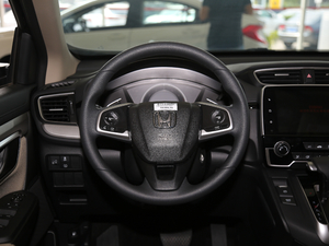2018款240TURBO 两驱舒适版 方向盘