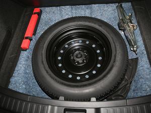 2018款240TURBO 两驱舒适版 备胎