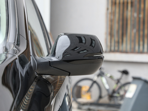 2019款240TURBO CVT两驱舒适版 后视镜