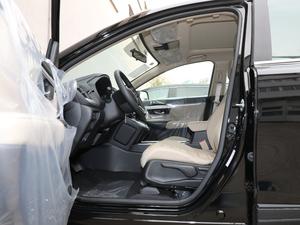 2019款240TURBO CVT两驱舒适版 前排空间