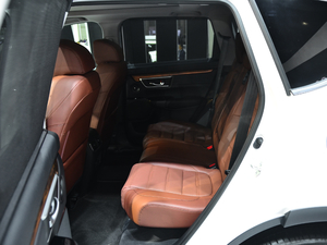 2019款2.0L 四驱净享版 空间座椅