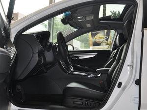 2015款2.4L DCT 尊耀版 前排空间