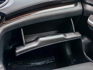 2015款2.4L 四驱尊贵版 手套箱