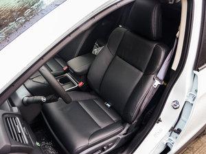 2015款2.4L 四驱尊贵版 前排座椅