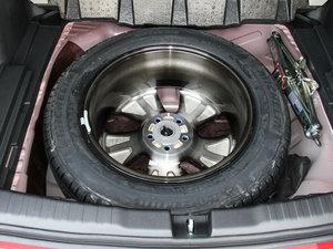 2015款2.4L 四驱尊贵版 备胎