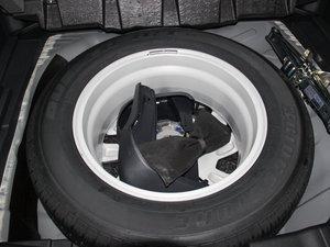 2015款2.4L 四驱豪华版 备胎