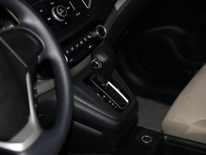 2015款2.0L 两驱风尚版 变速挡杆