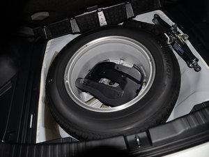 2015款2.0L 两驱风尚版 备胎
