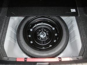 2016款220TURBO 自动尊耀版 备胎