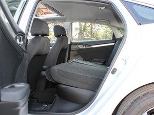 2016款220TURBO 自动豪华版 后排座椅放倒