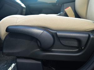 2016款2.0L 两驱都市版 座椅调节