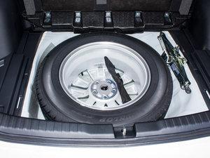 2016款2.0L 两驱经典版 备胎