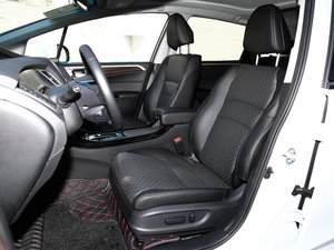 2017款210TURBO CVT豪华版 5座 前排座椅
