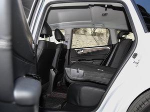 2017款210TURBO CVT豪华版 5座 后排座椅放倒