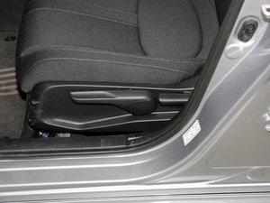 2017款180TURBO 手动舒适版 座椅调节