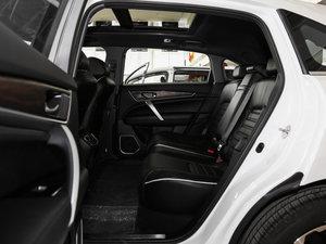 2017款370TURBO 四驱尊享版 后排空间