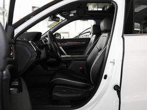 2017款370TURBO 四驱尊享版 前排空间