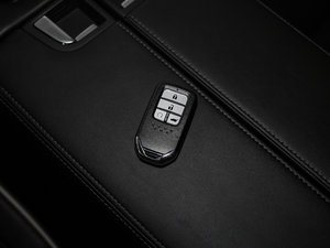 2017款370TURBO 四驱尊享版 钥匙